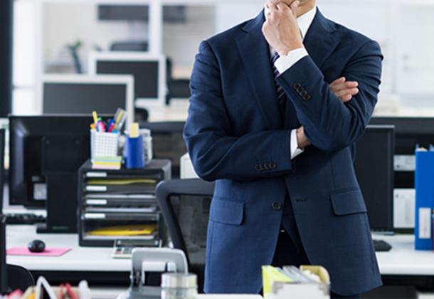 ビジネスチャットは愚痴、不満の温床!? 調査で見えた無目的なITツール導入の悲惨な末路